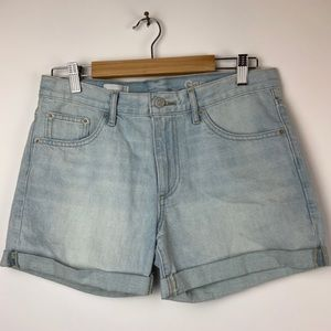 GAP Shorts - Gap Sexy Boyfriend Shorts Light Wash Denim 27
